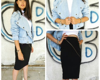 Vintage denim jacket with snap buttons and pockets/woman 80s cool denim jeans jacket