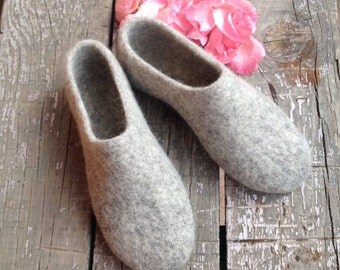 Sale -22% OFF gray felted wool slippers, womens house shoes, Eco friendly, woolen clogs, Mothers day gift