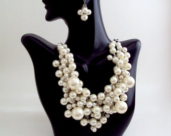 Pearl Necklace, Bib Necklace, Cluster Pearl Necklace, Bridal Jewelry, Pearl Jewelry, White Perl Necklace