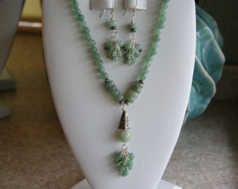 Green Jade beaded necklace  -  49