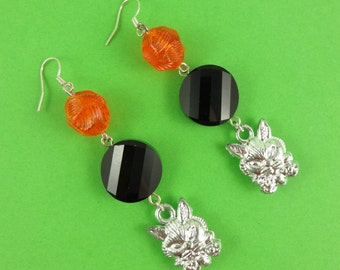 Orange and Black Halloween Cat Earrings - vintage silver cat face charms and funky beads - witch's familiar companion pet - creepy spooky