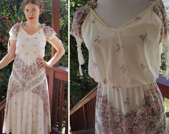 GODDESS 1970's Vintage Pearl White Ruffled Maxi Dress w/ Light Purple Flowers // size Small // Hanky Gown