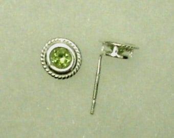 4mm Green Peridot Gemstones in 925 Sterling Silver Rope Design Backset Bezel Stud Earrings August Birthstone