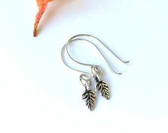 Tiny Silver Leaf Earrings, Autumn Jewelry, Silver Dangle Earrings, Woodland Wedding, Nature Jewelry, Oak Leaf Earrings, Trendy Jewelry