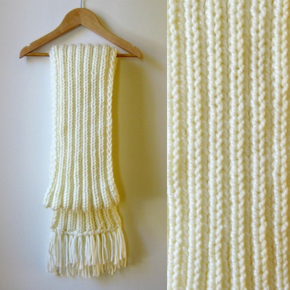 Chunky Knit Scarf, Ivory Wool, Scarf with Fringes, Long Scarf, Mens Scarf, Womens Scarves, Winter Scarf, Wool Scarf, Hand Knit Scarf