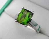 AAAA Chrome Green Tourmaline 2.55 carast 9x7mm in a 14K White Gold Engagement Ring 0973