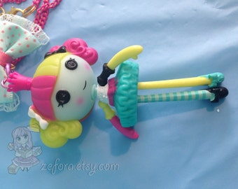 Lalaloopsy Dangle Doll Figure Bow Pink Beaded Necklace