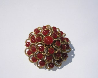 Lovely Vintage Carnelian Glass Domed Pin Brooch
