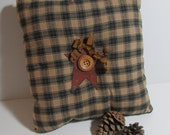 "CLEARANCE Primitive Rusty Star  10"" home accent Pillow in homespun green plaid"