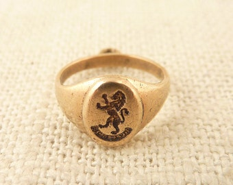 Antique 10K Gold Class Ring Charm with Engraved Lion