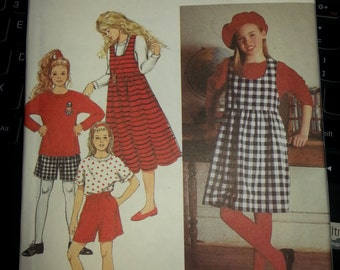 Girls and Girls Plus Size Jumper Pattern Shorts and Top Pattern Size 7-14 Simplicity 8564