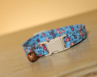 Blue Bonnet Cat Collar with an Antique Copper Bell and White Buckle, Shabby Chic