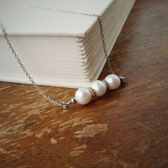 Ivory Pearl Necklace . Three White Pearls on Sterling Silver Necklace . Three Wire Wrapped Ivory Pearls on Sterling Silver Chain