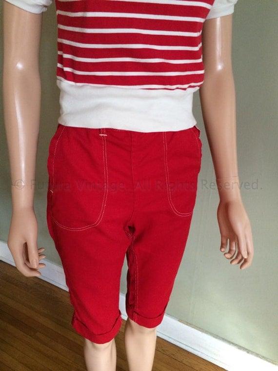 1950s Classic Red Denim High Waist HAPPY JILL Clam Diggers 4 Pockets Contrast Stitch and Hidden Zipper XS