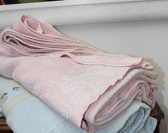 "Pink Bates Bedspread 95"" x 85"" Blanket Cotton Bed Cover 1950s Flowers Jacquard design VINTAGE by Plantdreaming"