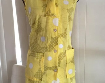 Sale -- Bright and cheerful little 60's frock! - Size M