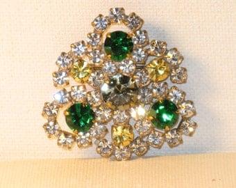 Vintage Czech Emerald Green Citron Clear Crystal Rhinestone Trefoil Brooch Pin (B-4-1)