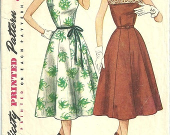 Simplicity 4347 / Vintage 50s Sewing Pattern / Sleeveless Dress / Bust 35