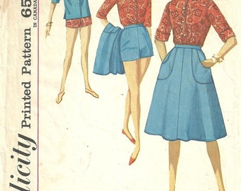 Simplicity 4899 / Vintage 60s Sewing Pattern / Wrap Skirt Shorts Blouse Scarf / Size 13 Bust 33