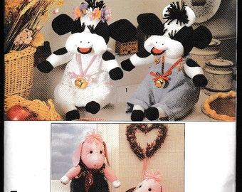 Simplicity 9228 Crafts Stuffed Cow,Pig and Clothes