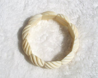 Carved Bone Bracelet,Stretch Bracelet, Bone Bead Bracelet,Carved Bone, Off White, Ivory Tone, Carved Beads