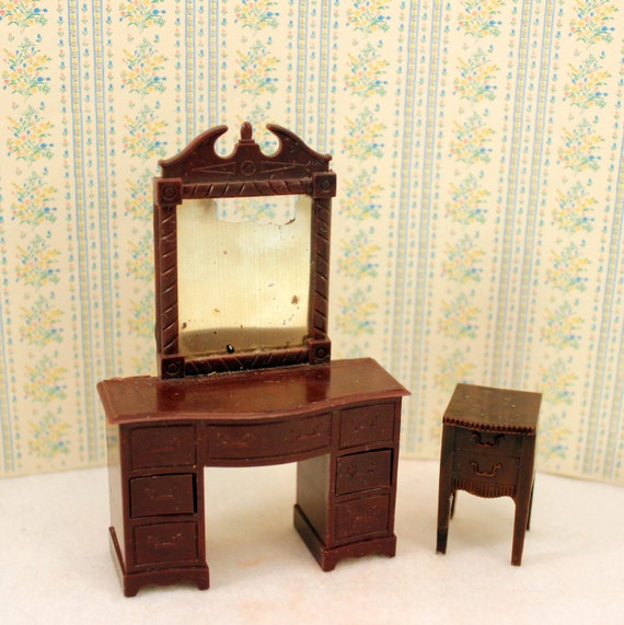 Renwal dollhouse plastic bedroom dresser vanity nightstand Plastic bedroom furniture