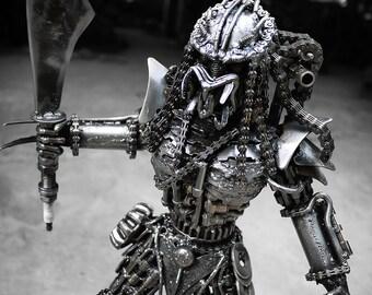 Metal Standing Hunter : Sword (Medium item)