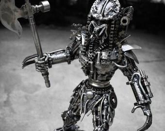Metal Standing Hunter : Axe (Medium item)