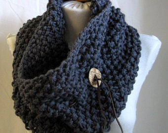 Handknitted Drawstring Cowl / Wool Knit Neckwarmer / Chunky Knitted Infinity Collar with Handcrafted Button / Slate Chocolate Wheat