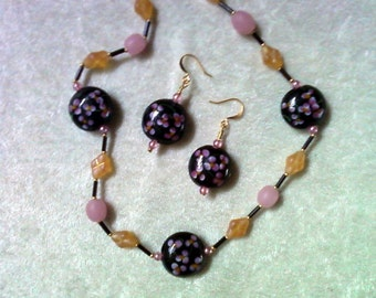 Black, Pink and Peach Necklace and Earrings (1114)