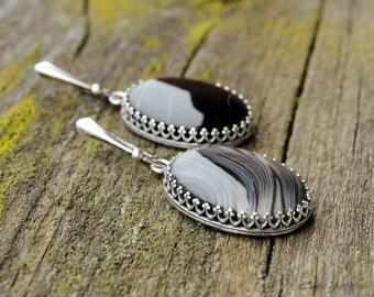 Sterling Silver and Agate Drop Dangle Earrings / Oval Shape Crown Earrings