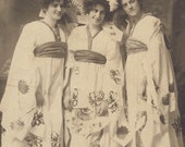 Three Women In Beautiful Matching JAPANESE KIMONOS with FANS and Flowers In Their Hair Cabinet Card Photo Chatham Ontario Circa 1900