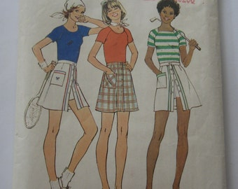 Misses Pantskirt and Pullover Tops Sizes 18 and 20 Bust 40 and 42 UNCUT Vintage 1970's Simplicity Pattern 7499