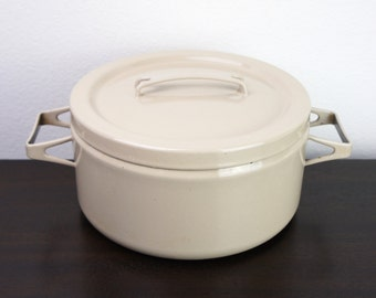 Vintage Seppo Mallat Medium 8 Inch Dutch Oven Cream Dutch Oven or Stock Pot, 3.5 Quart, Enameled Steel 1950s Finel Arabia Finland 160003
