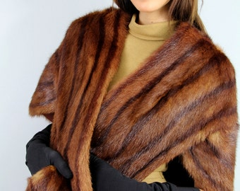 Vintage 40s MINK POCKETED Stole Capelet Marble Brown // Vintage Clothes by TatiTati Style on Etsy