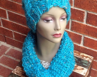 Knit cowl, chunky winter cowl, hand knitted cowl, multi-colored winter cowl, knit tube scarf