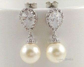 Wedding Pearl Earrings // Bridal Pearl Earrings // Swarovski Pearl Earrings // Choice of White, Cream, Pink, Black, Lavender, Grey Pearls