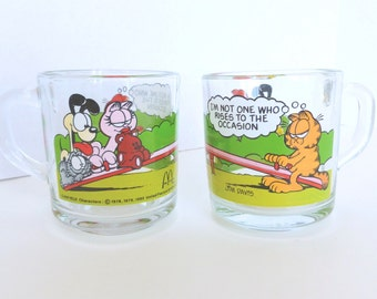 Garfield Glass Coffee Mugs Pair of Two McDonald's Promotion Collectible Jim Davis Cartoon Characters