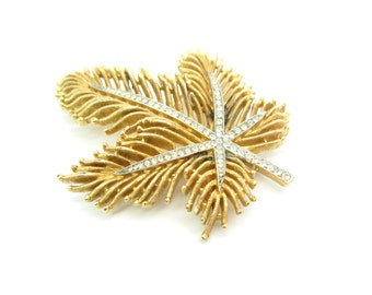 Crown Trifari Brooch. Gold Tone Fringed Leaf Pin. Pavé Rhinestones. 1950s Vintage Rhinestone Jewelry.