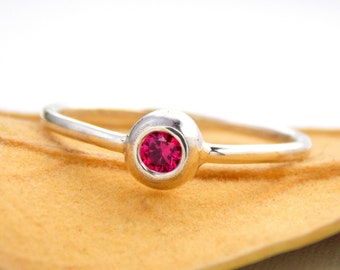 ONE Birthstone Pebble Mother's Stacking Ring: Sterling Silver