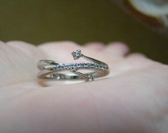 WHITE GOLD DIAMOND Ring - 10k White Gold - Size 7