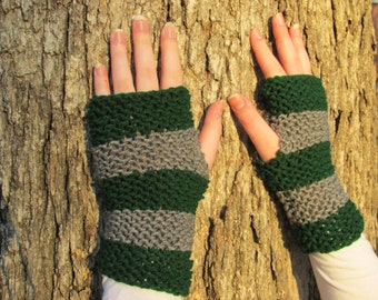 Slytherin Fingerless Gloves; Harry Potter World of Hogwarts