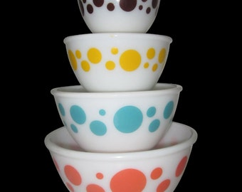 1950 Hazel Atlas 4 Polka Dot milk glass mixing bowl set /Pyrex/nesting bowls/60+years old/excellent/Red/turquoise/red/yellow/dot/Light test!