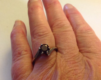 Vintage Sterling Silver Simple Solitaire Ring
