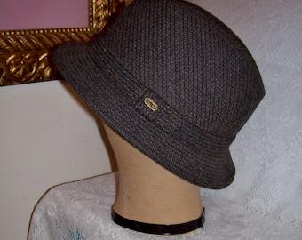 Vintage Men's Brown Tweed Trilby Fedora Hat by Totes Medium Only 6 USD