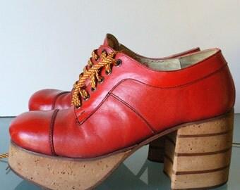 Vintage Red Platform Shoes Size 9