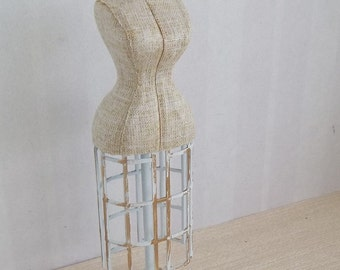 Dressmakers Mannequin in 1:12 Scale for Dollhouse Miniature Tailor or Wedding Boutique