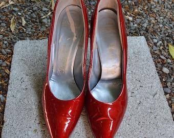Vintage 1950s - 1960s Red Patent Leather De Liso Debs Stilettos