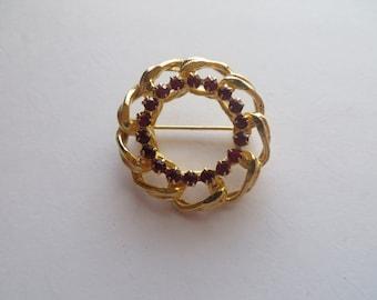 Vintage Gold Tone Red Rhinestones Brooch