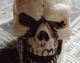 Plastic laughing Skull / Altered Art / Projects / Skeleton / Bone / mixed media / assemblage / halloween / supplies / craft supply / gothic